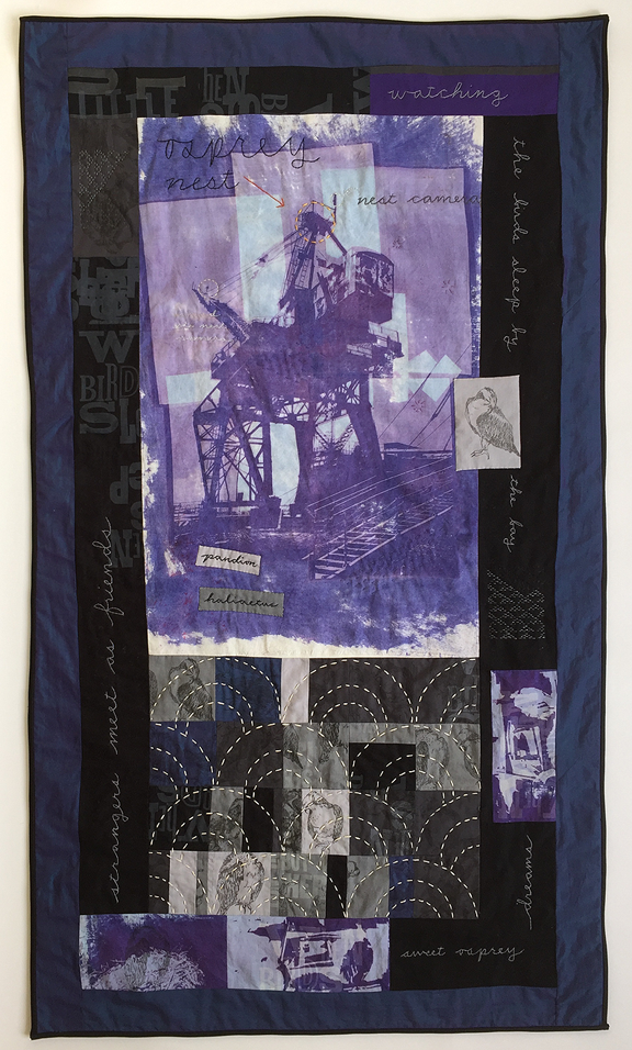 quilt with whirley crane in the center